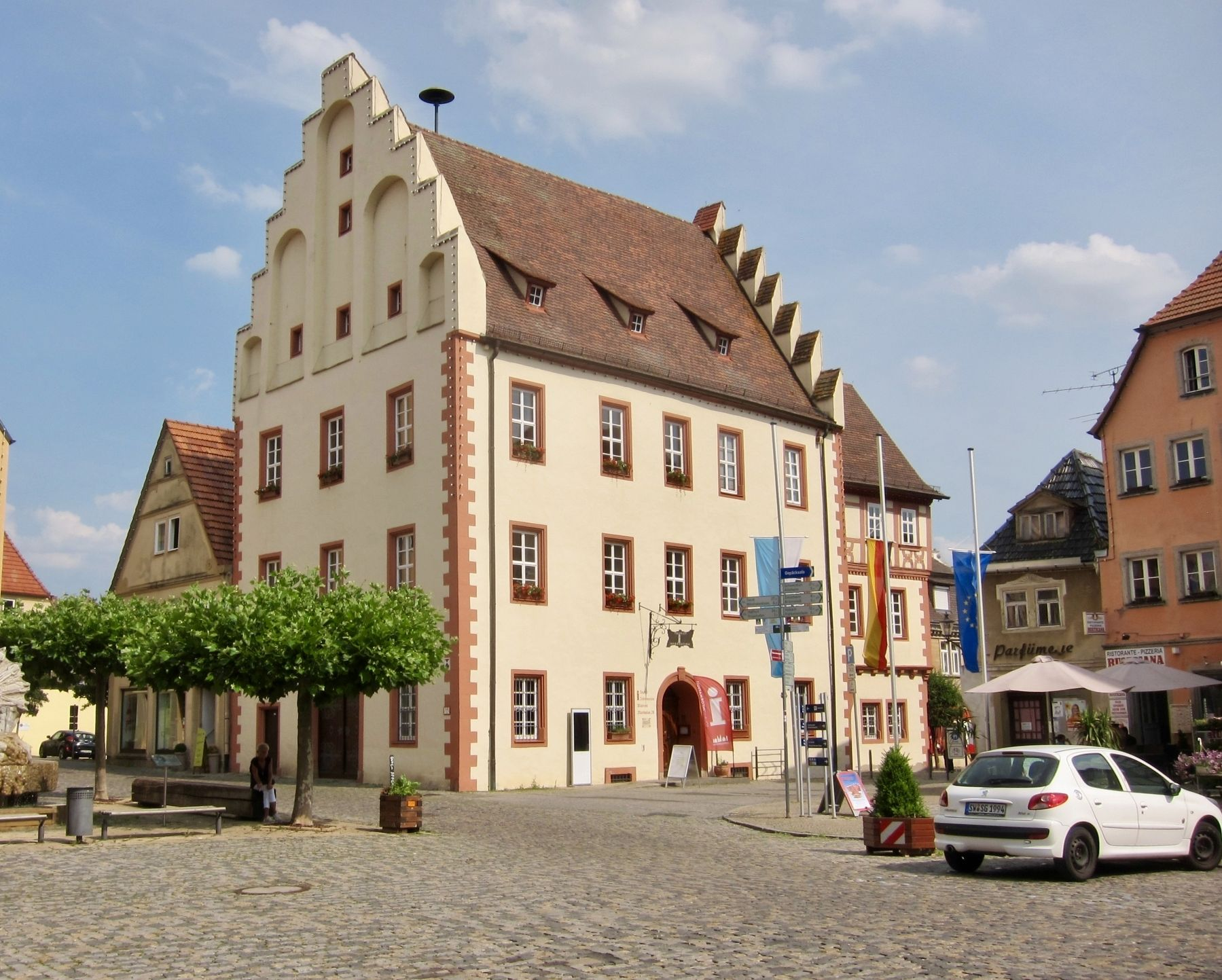 Altes Rathaus / The Old City Hall and Marker image. Click for full size.