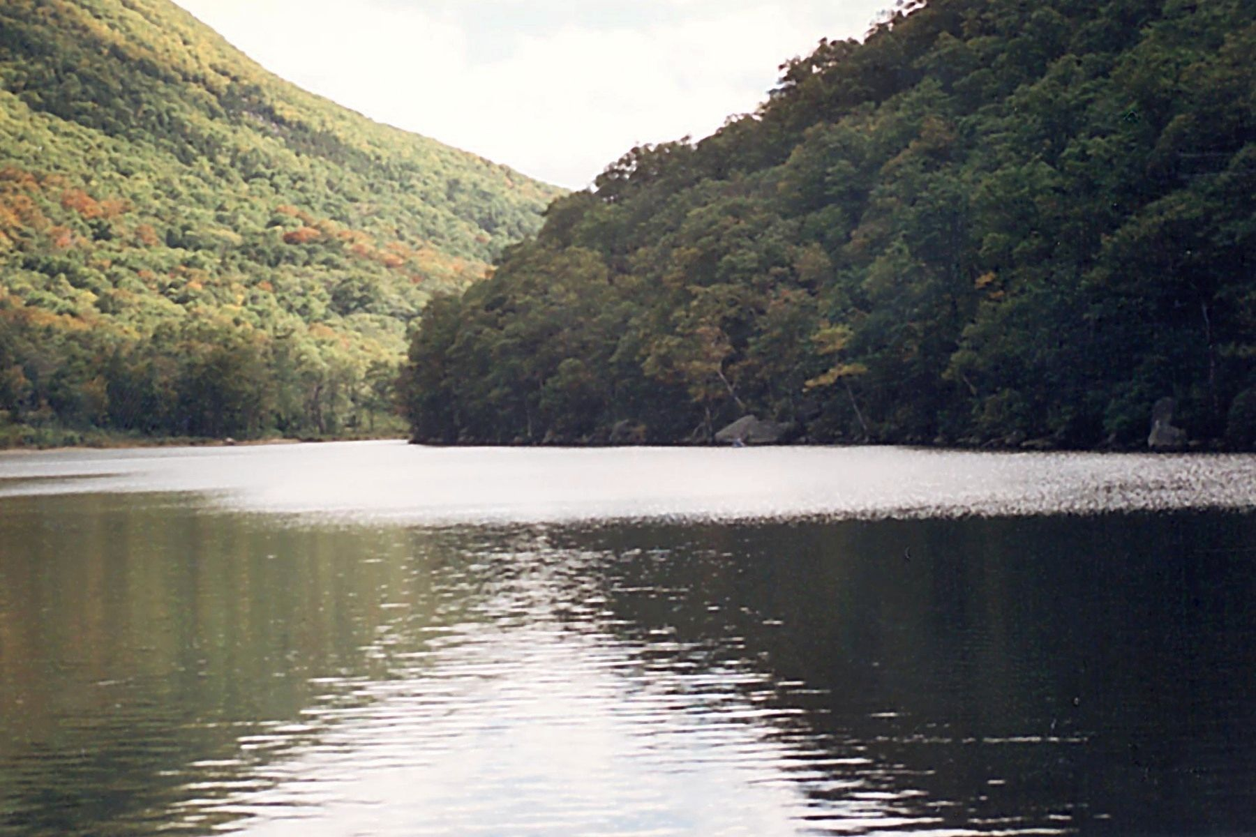 Franconia Notch seen from Profile Lake image. Click for full size.