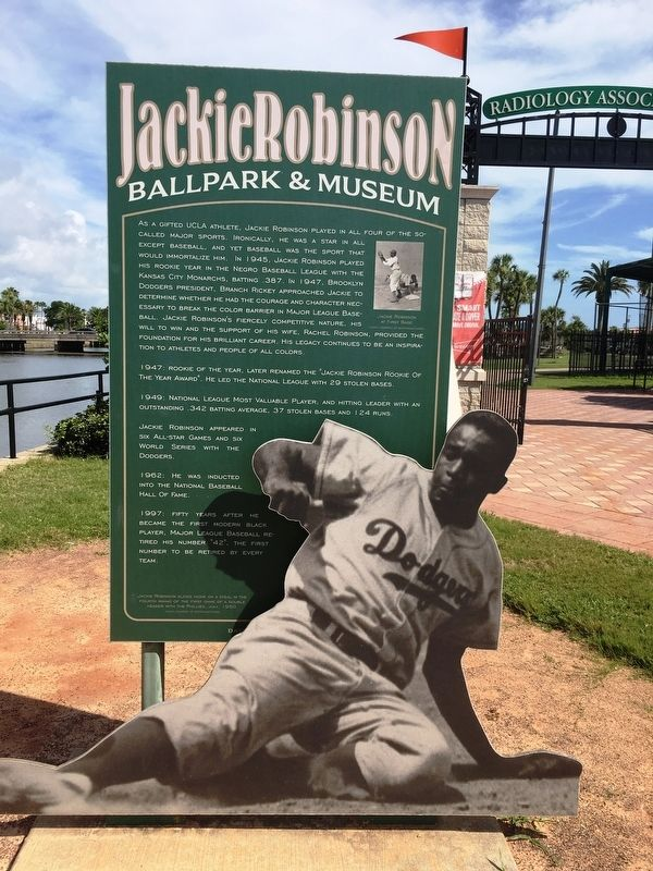 Jackie Robinson Baseball Legend image. Click for full size.