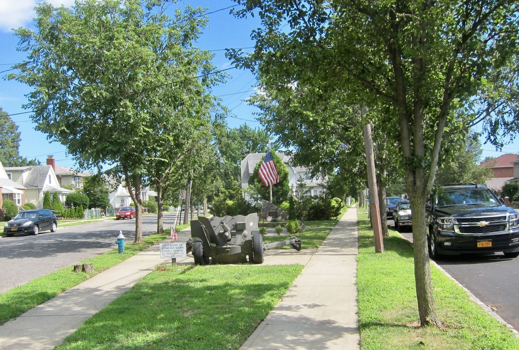 Floral Park World War II Memorial Marker - Wide View image. Click for full size.