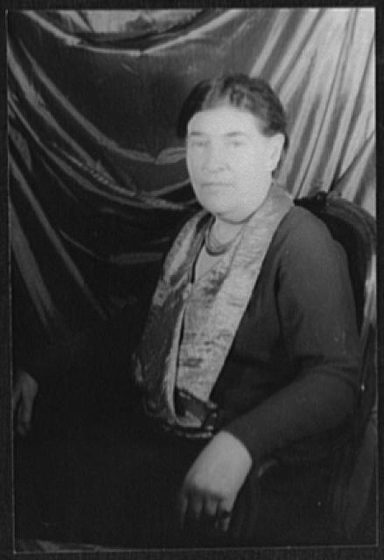 <i>Portrait of Willa Cather</i> image. Click for full size.