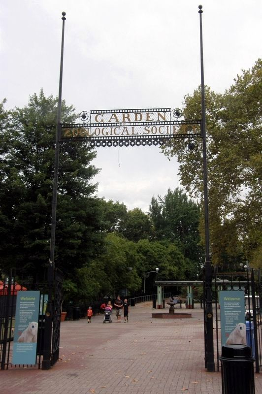 The Philadelphia Zoo Main Gate image. Click for full size.