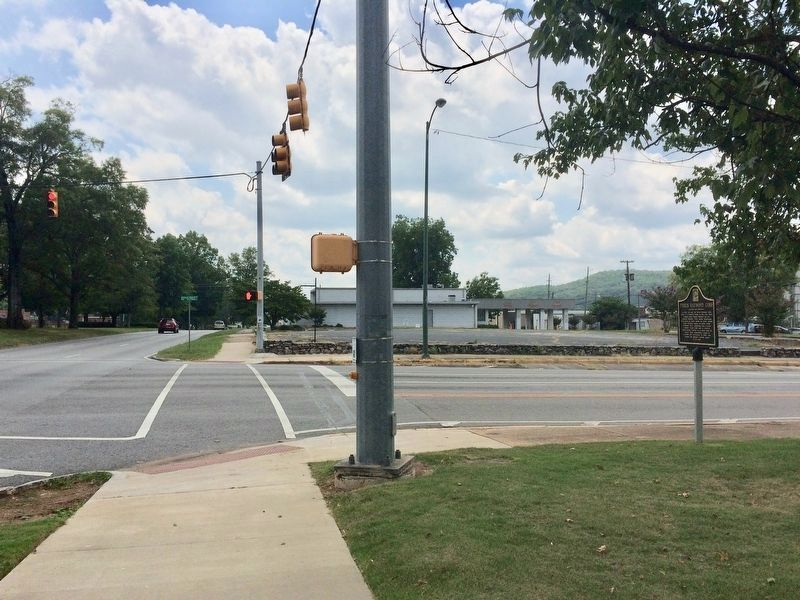 View of marker looking south on Quintard Avenue. image. Click for full size.