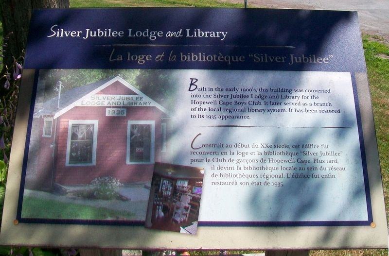 Silver Jubilee Lodge <i>and</i> Library Marker image. Click for full size.