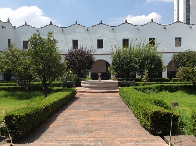 A view of the courtyard of the Old Convent of Santiago at Tlatelolco image. Click for full size.