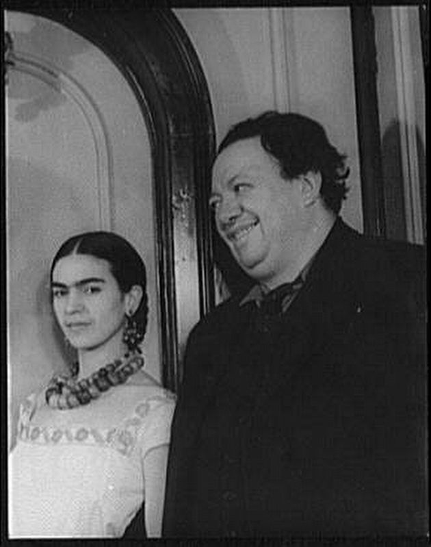 Frida Kahlo and Diego Rivera image. Click for full size.