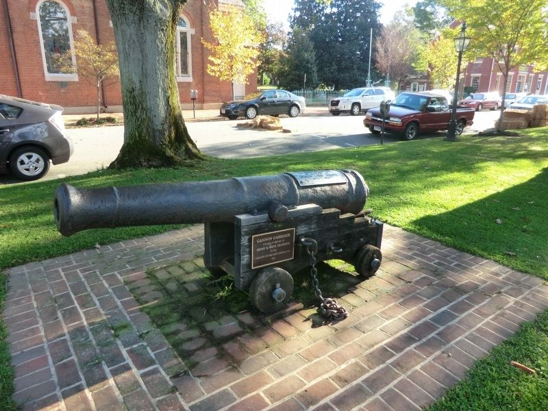 American Revolution Cannon image. Click for full size.