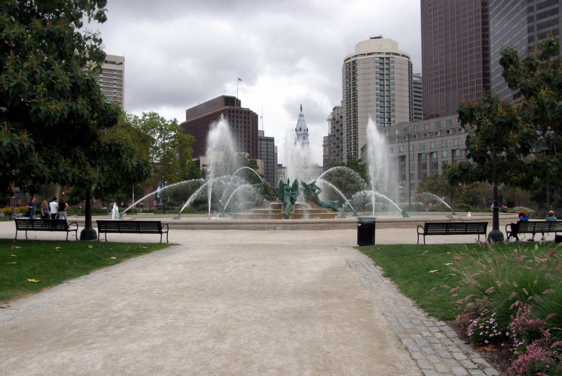 Swann Fountain image. Click for full size.