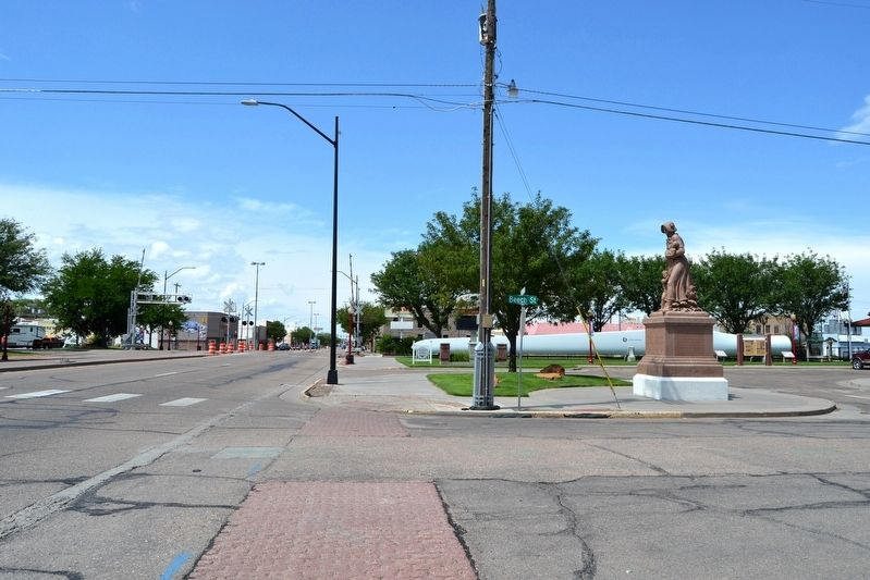 View to North Along US 50 (Main Street) image. Click for full size.
