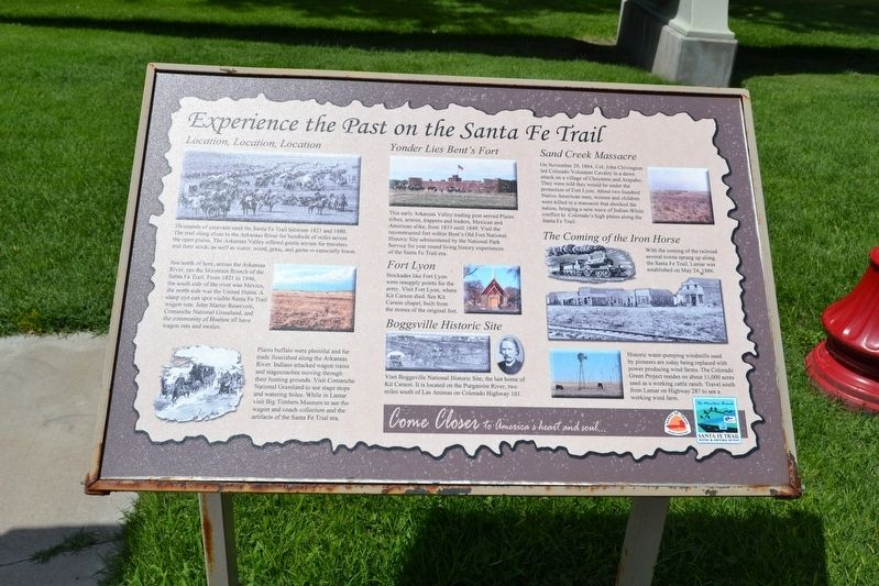 Experience the Past on the Santa Fe Trail Marker image. Click for full size.