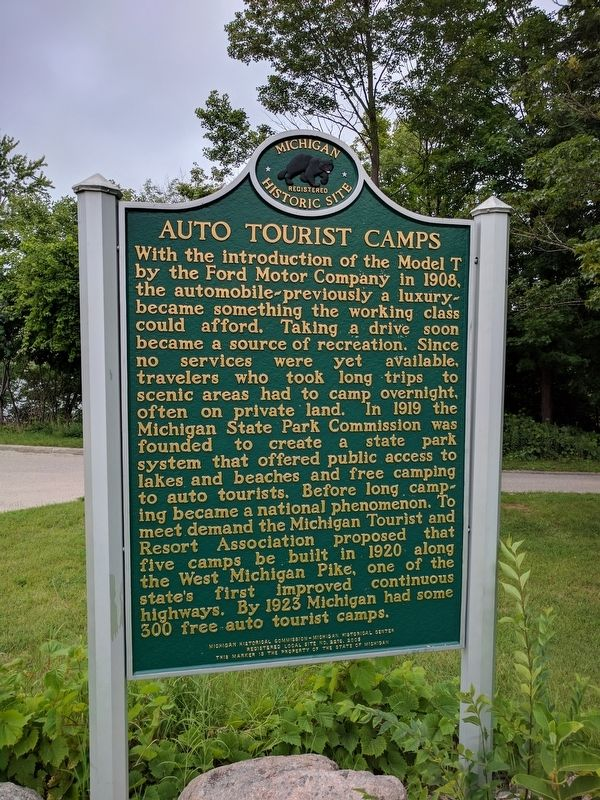 Auto Tourist Camps Marker (Side 2) image. Click for full size.