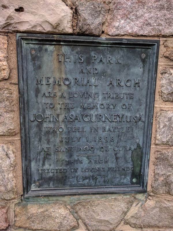 Plaque on Entrance Pillar image. Click for full size.