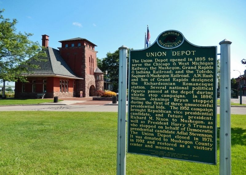 Union Depot Marker (<b><i>wide view with Union Depot Station in background</b></i>) image. Click for full size.