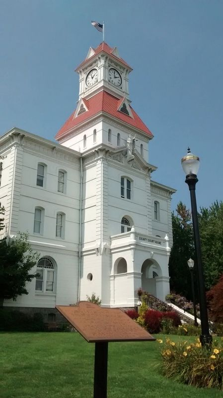 The Benton County Courthouse, with marker in the foreground. image. Click for full size.