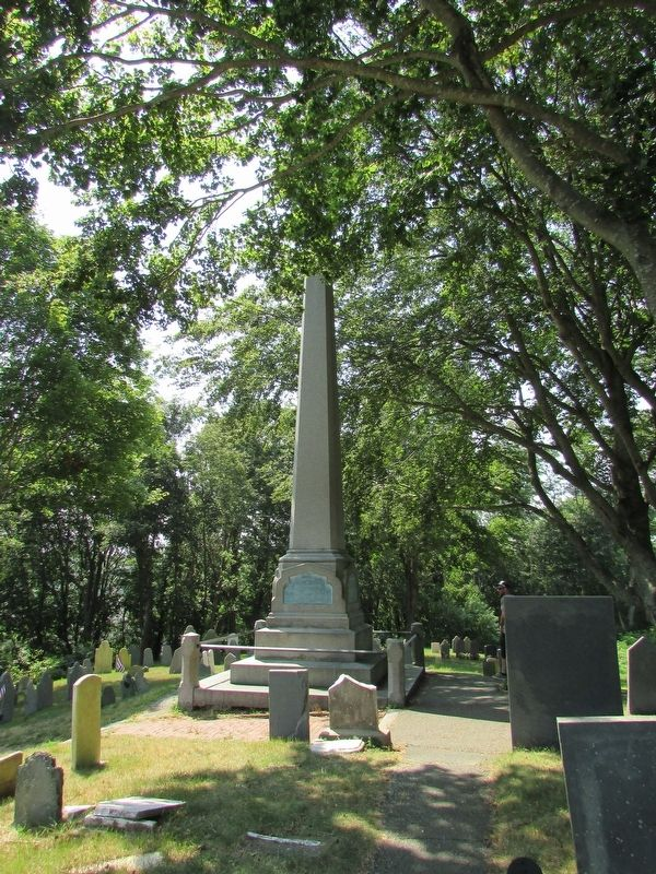 Monument on Burial Hill image. Click for full size.