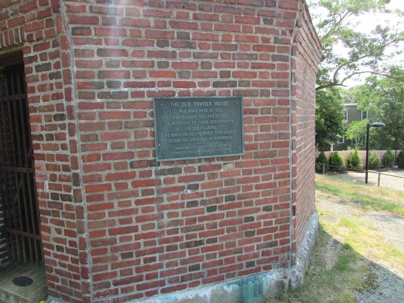 The Old Powder House Marker image. Click for full size.