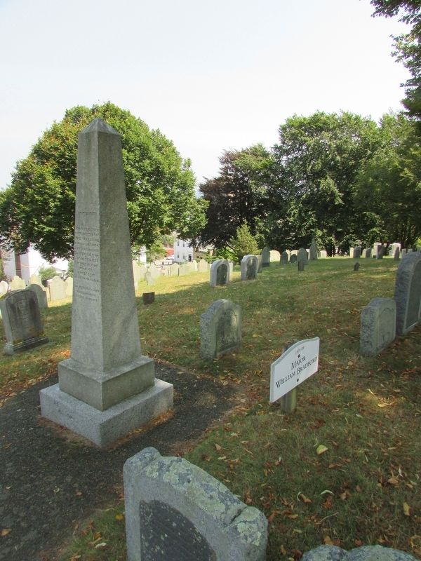 Marker on Burial Hill image. Click for full size.