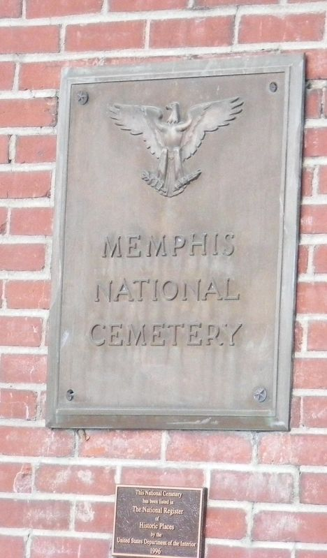 Memphis National Cemetery Marker image. Click for full size.
