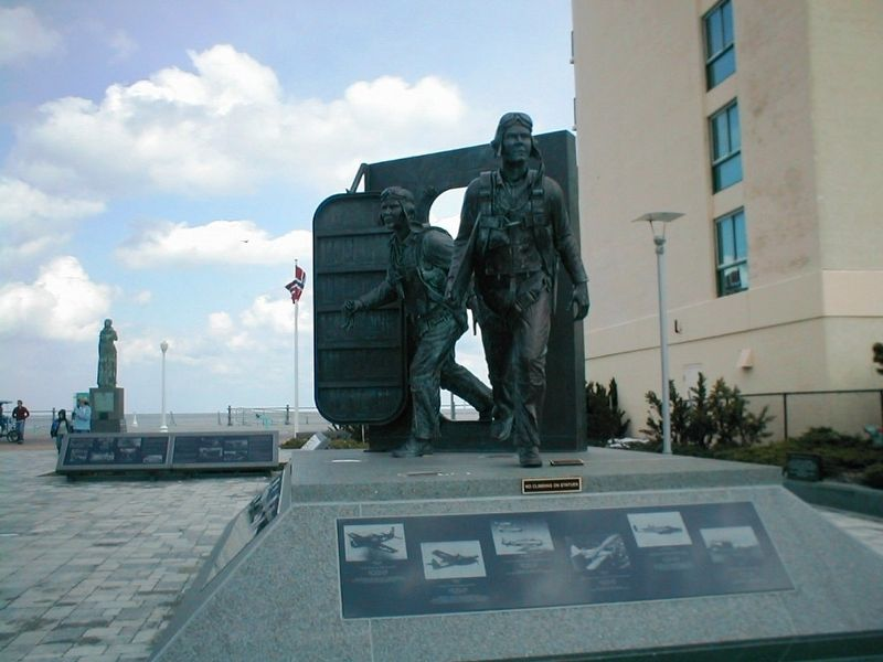 Naval Aviation Monument Park-Statue 2 image. Click for full size.