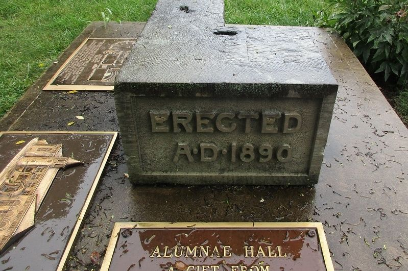 Alumnae Hall Marker image. Click for full size.