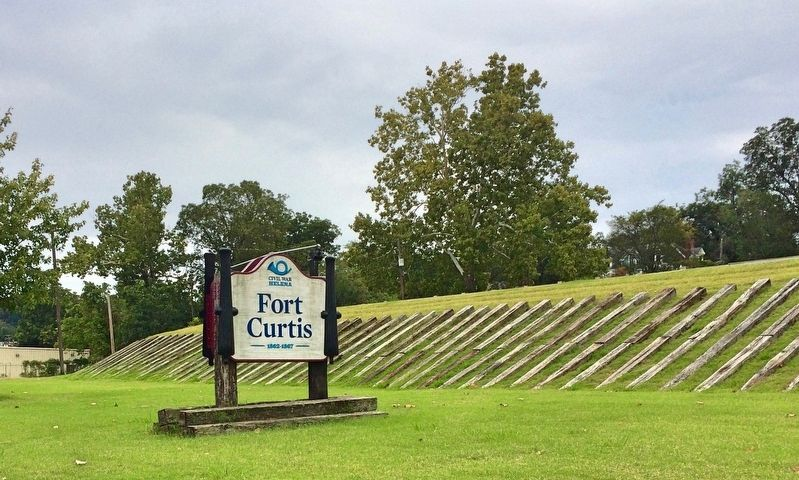 Fort Curtis sign on east side. (3 blocks south of original location). image. Click for full size.
