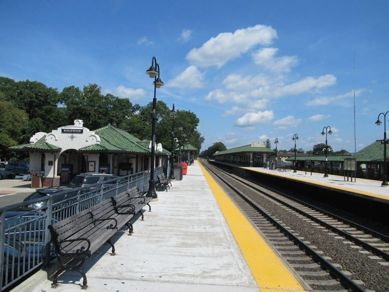Looking north along the platform at the Ridgewood Train Station image. Click for full size.