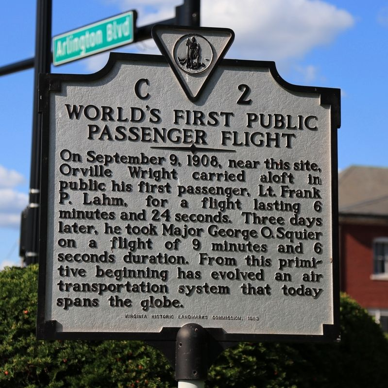 World's First Public Passenger Flight Marker image. Click for full size.