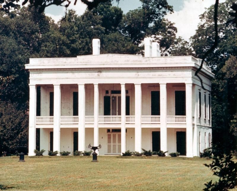 Bocage Plantation image. Click for full size.