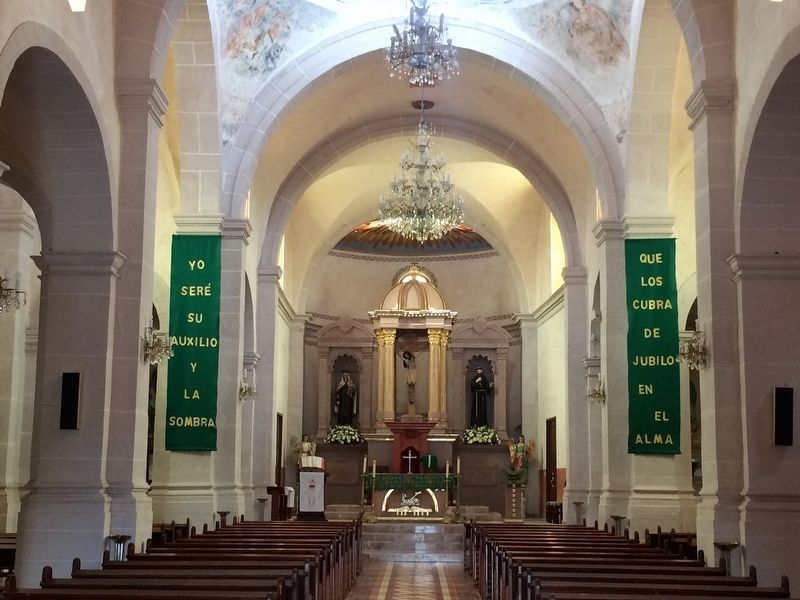 The altar of the Parish of San Francisco image. Click for full size.