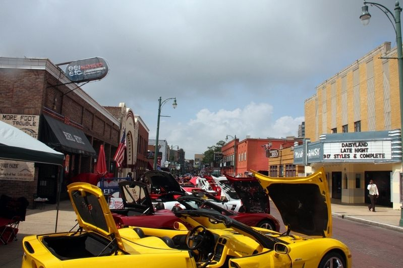 2016 Car show on Beale Street image. Click for full size.