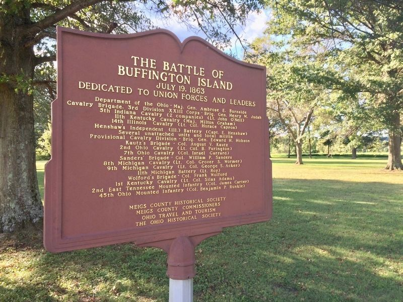 The Battle of Buffington Island Marker and battlefield (side 1) image. Click for full size.