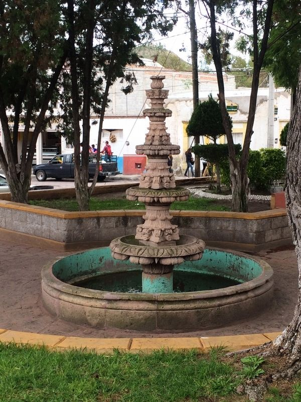 "The fountain of ""El Jardín Unión"" image. Click for full size."