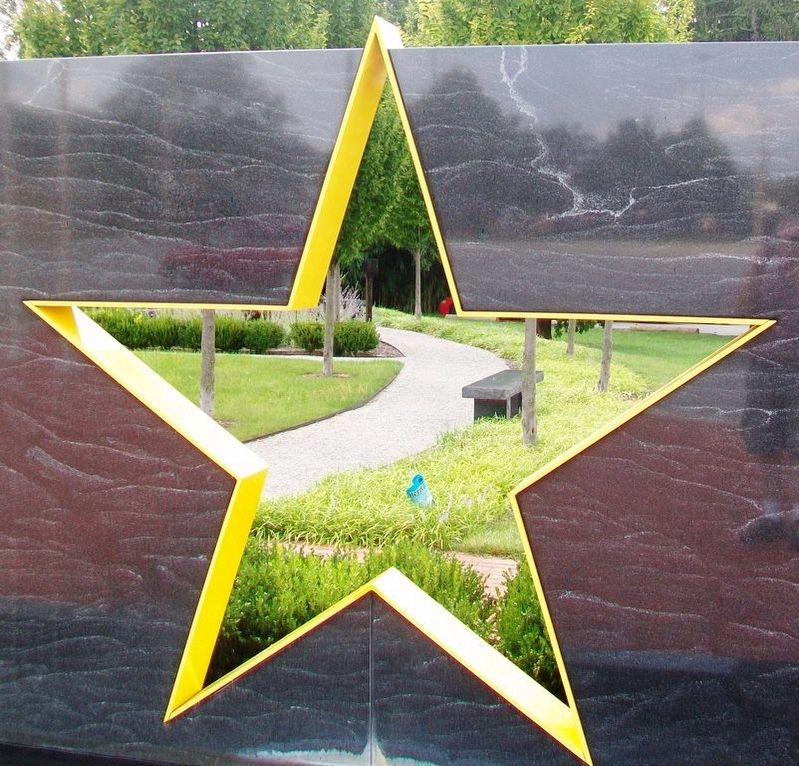 Veterans Memorial Gold Star Healing & Peace Garden Star image. Click for full size.