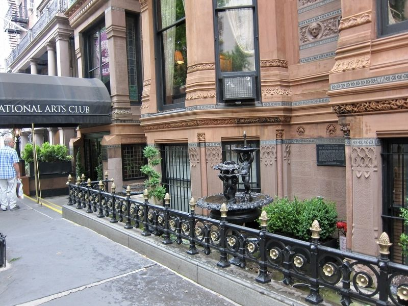 The National Arts Club Marker - Wide View image. Click for full size.