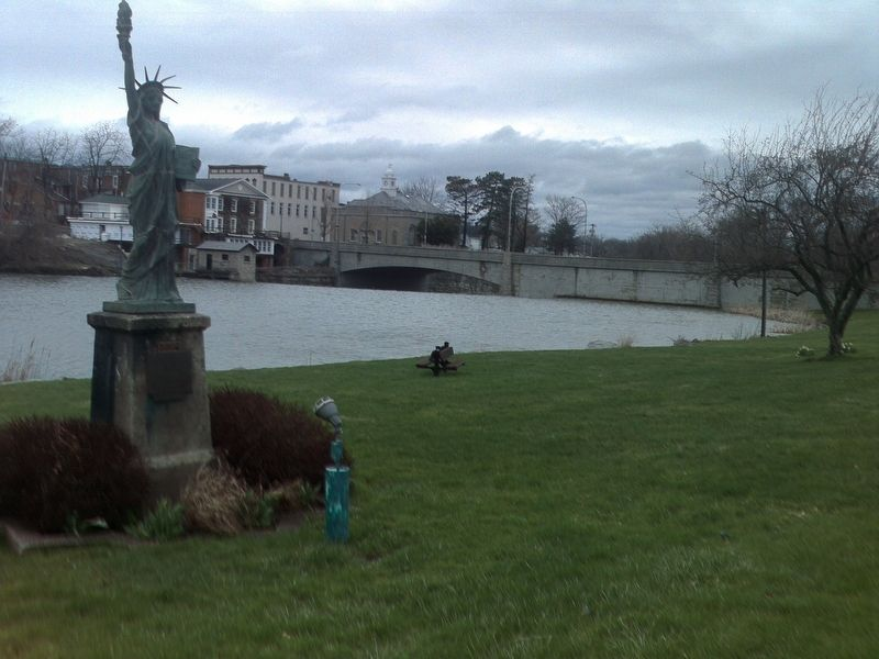 Statue of Liberty Replica facing north along Oatka Creek image. Click for full size.