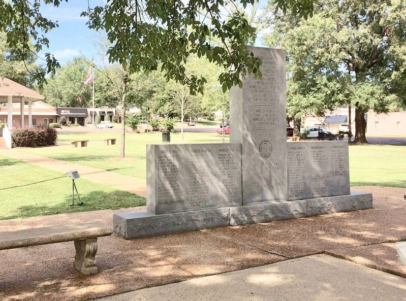 Calhoun County War Memorial in Bruce town square. image. Click for full size.