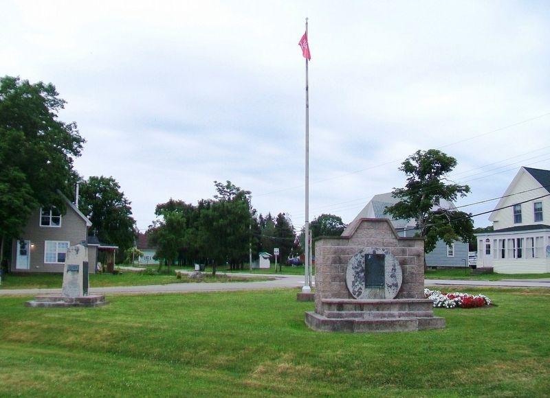 World Wars and United Empire Loyalists Monuments image. Click for full size.