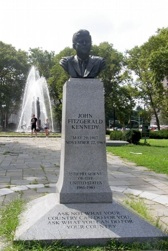 John Fitzgerald Kennedy Memorial image. Click for full size.