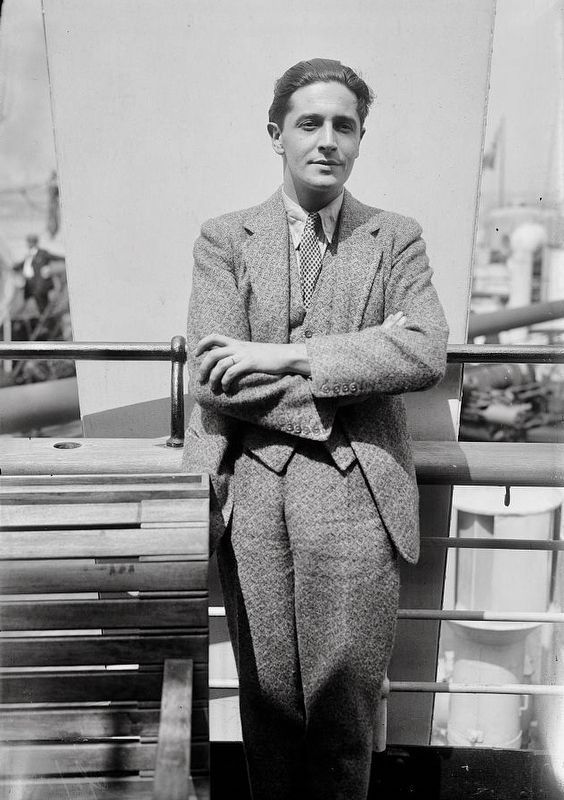 <i>Ivor Novello </i> image. Click for full size.