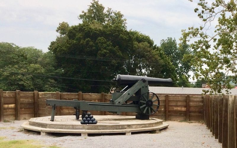 Another 24-pounder cannon in northeast corner of fort. image. Click for full size.