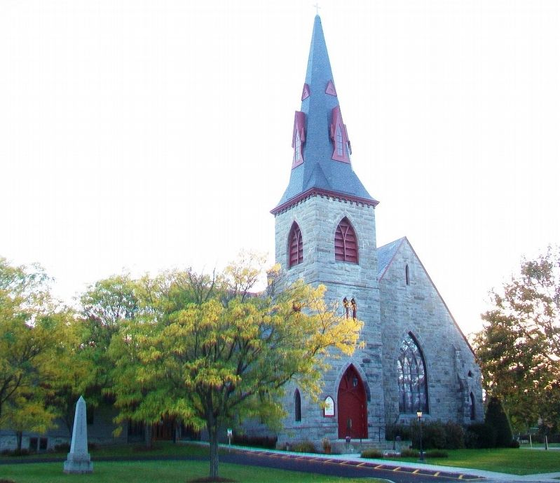 Shelburne United Methodist Church and Memorial image. Click for full size.