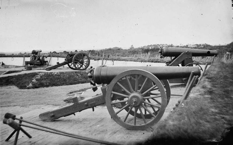 Two Model 1829 32-pounder siege and garrison guns rifled using the James method. image. Click for full size.