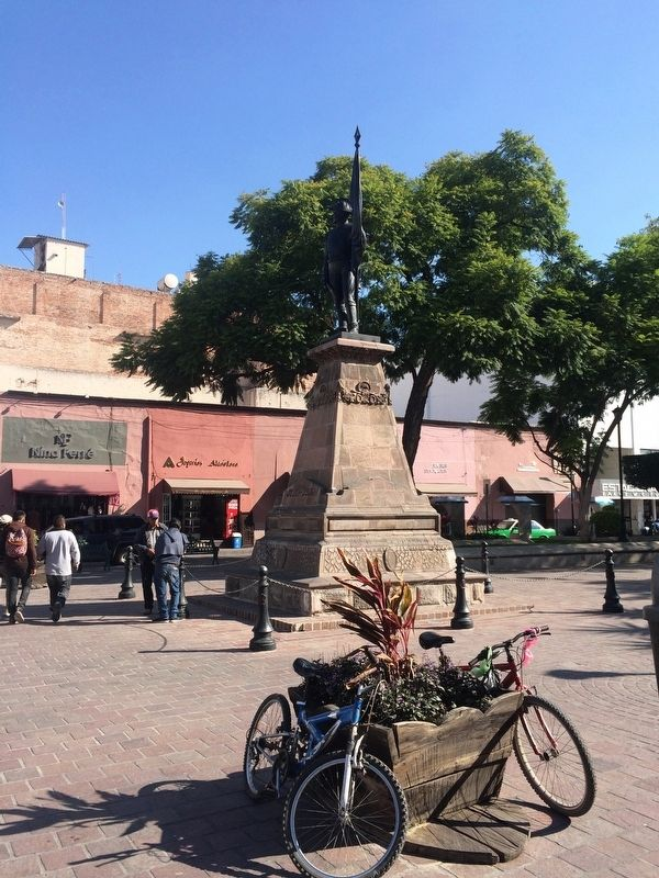 Nearby monument dedicated to Allende image. Click for full size.