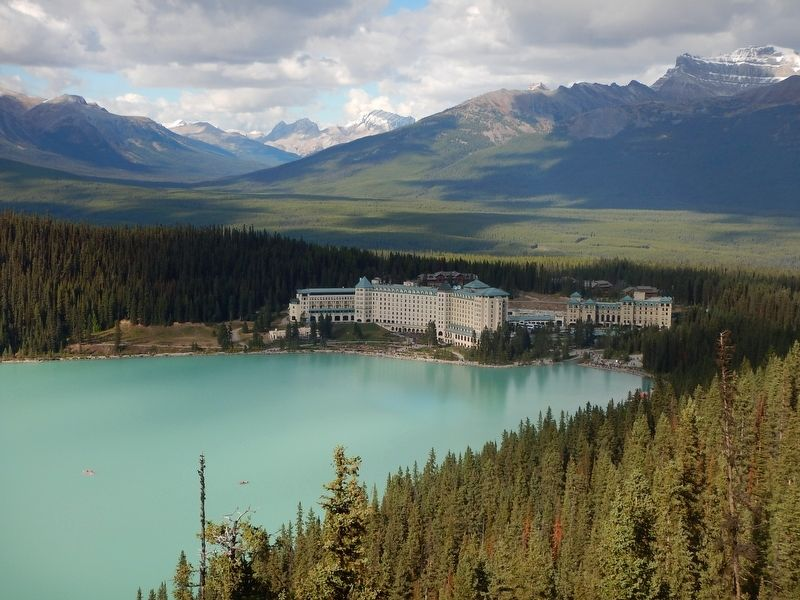 Chateau Lake Louise image. Click for full size.