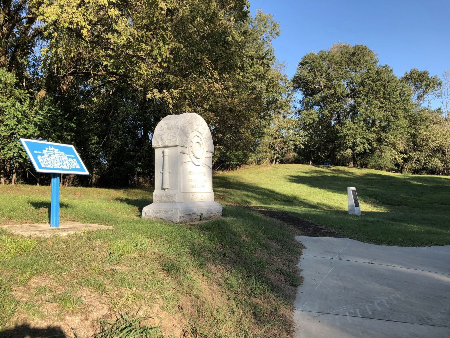 <small>U.S. </small> 2D Artillery; marker at a Union Avenue pull-off. image. Click for full size.