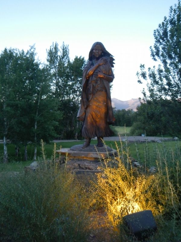 Sacajawea Statue and Marker image. Click for full size.