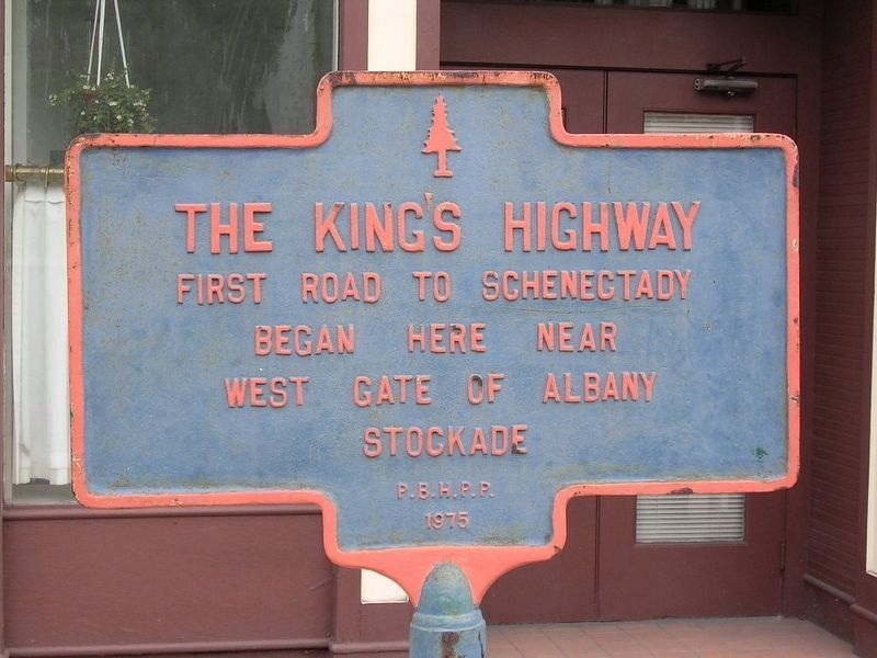 The Kings Highway Marker - Former Paint Job image. Click for full size.