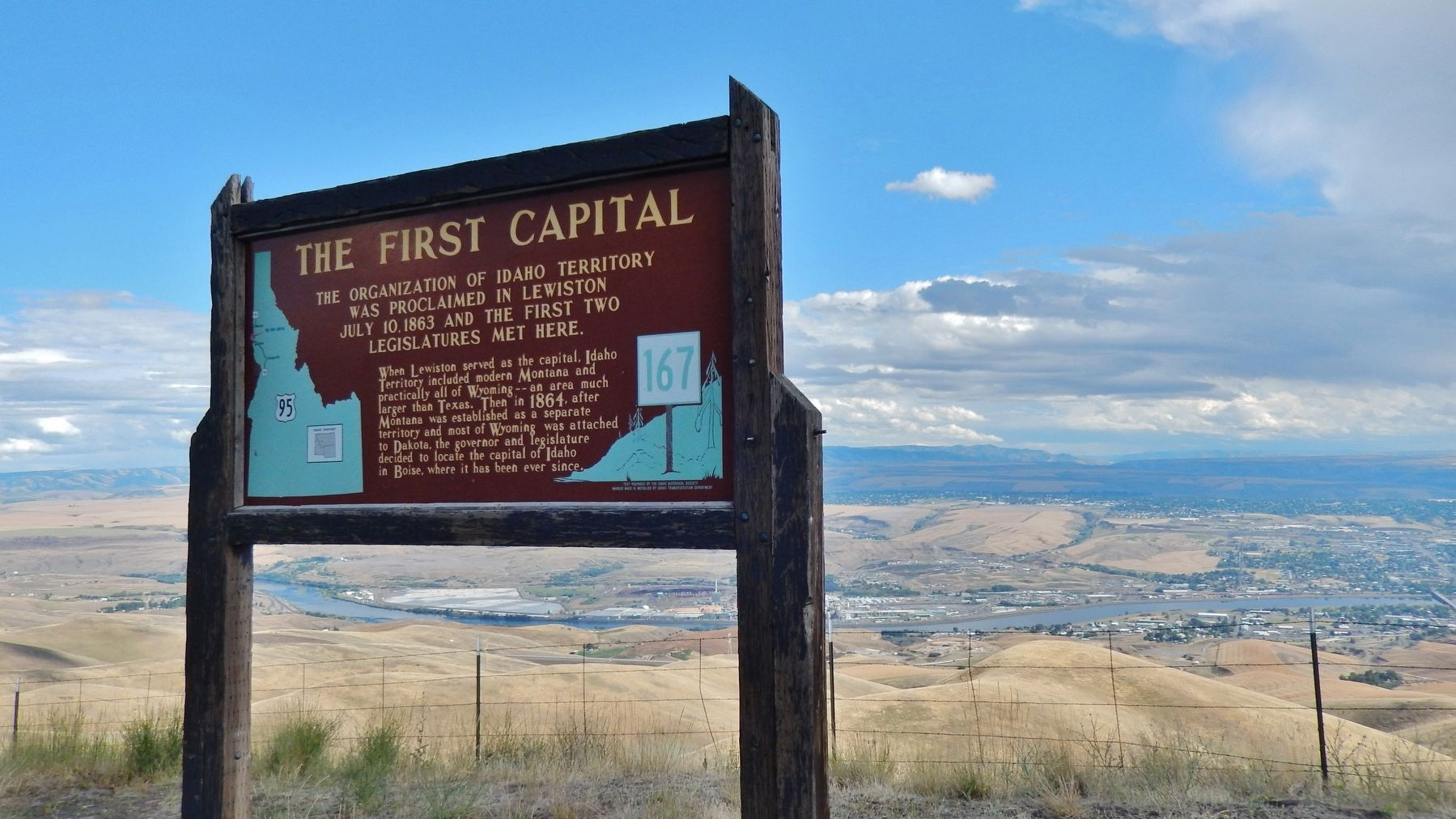 The First Capital Marker (<i>wide view with Lewiston in the background</i>) image. Click for full size.