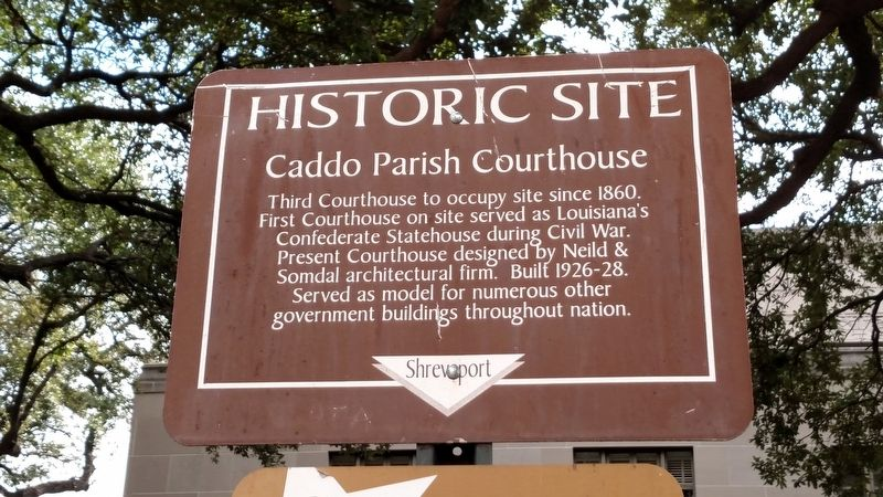 Caddo Parish Courthouse Marker image. Click for full size.