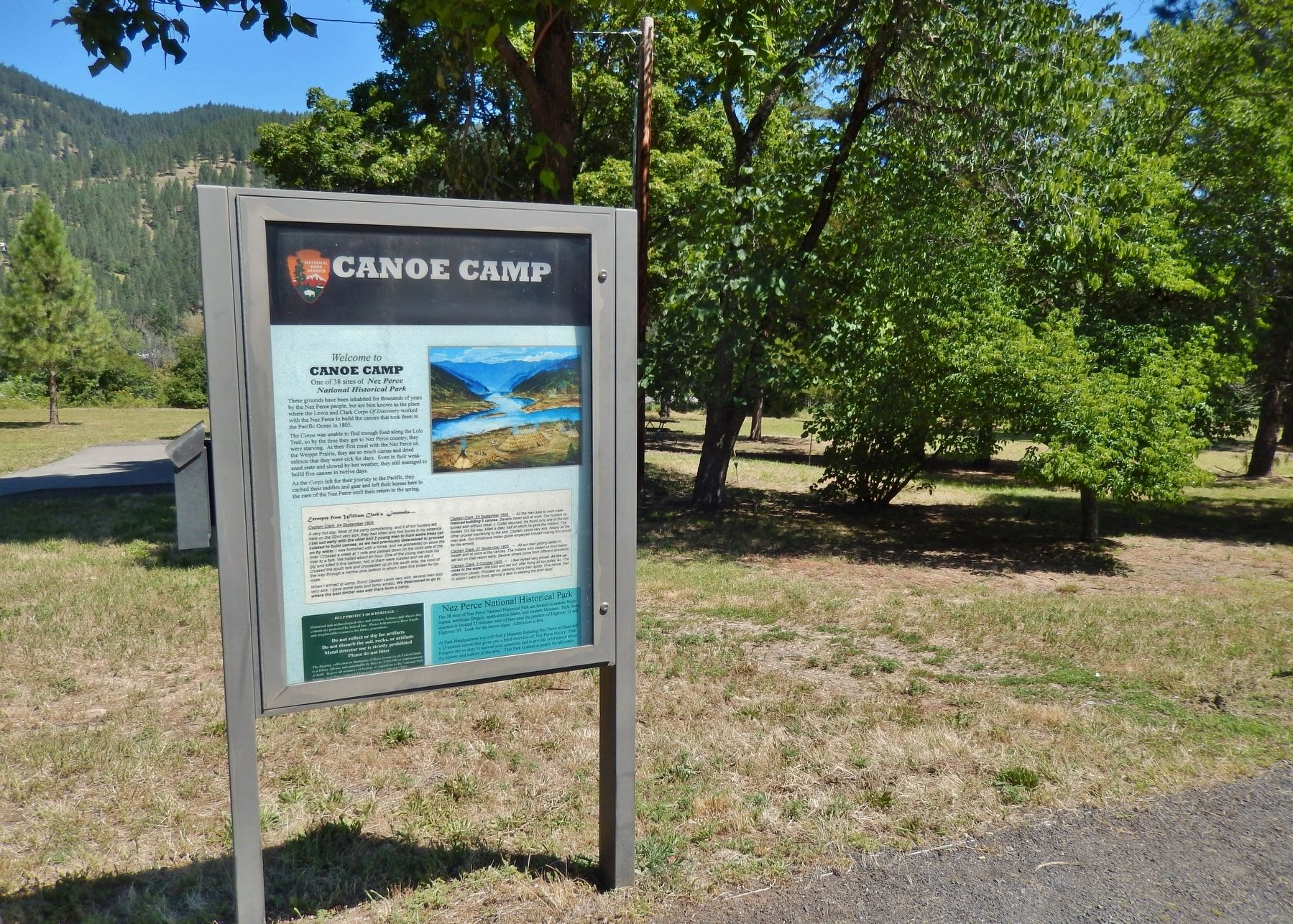 Canoe Camp Marker (<i>wide view</i>) image. Click for full size.